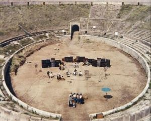 maben_adrian-pink_floyd_live_at_pompeiiOMdbe30010170_20120618_19243_78