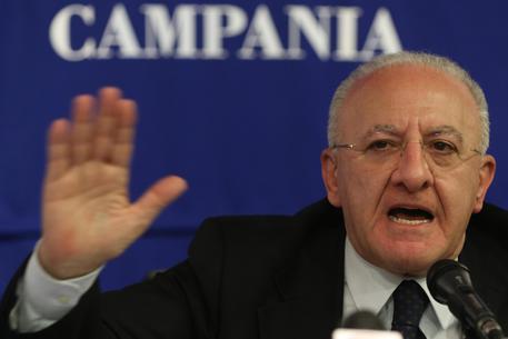 Meningite in Campania. De Luca: