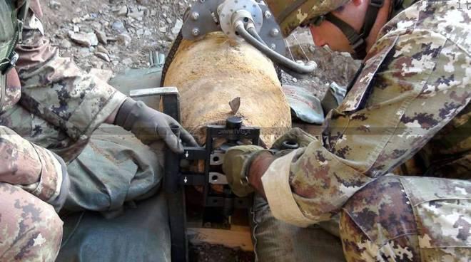 Trovata bomba ad Acerra: polizia chiude la strada