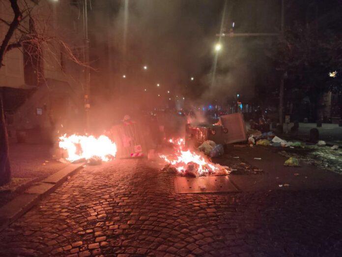 scontri protesta commercianti Viminale scontri