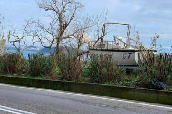 Barca in superstrada